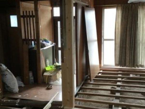 屋島の家 柱床工事