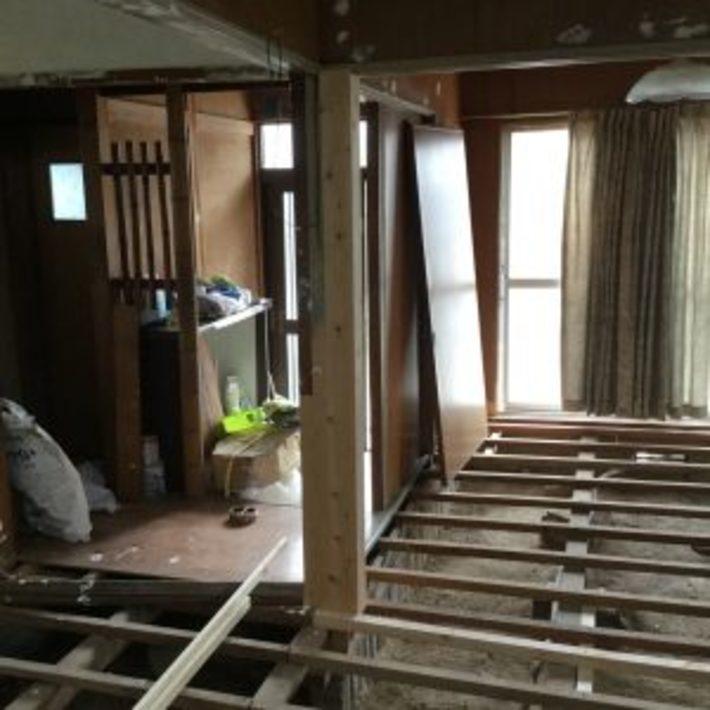 屋島の家 柱床工事のサムネイル