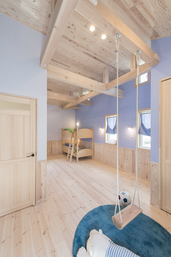 家族の幸せを考えた本物の 自然素材住宅 (子育て世代)ヘルシーカラー