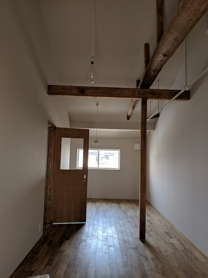 高松市塩上町 賃貸物件 外壁リフォーム 杉板 のサムネイル